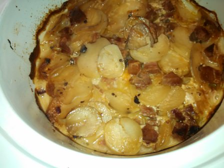 Crock-Pot Scalloped Potatoes and Ham