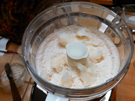 coconut oil in flour_499